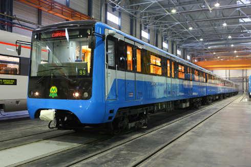 Напомним, в ближайшие три года на линиях Киевского метрополитена появится около 250 усовершенствованных вагонов.