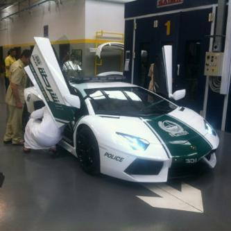 Полицейские в Дубае будут патрулировать на Lamborghini и Ferrari.