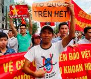 Китай не откажется от добычи нефти на спорной с Вьетнамом территории, несмотря на кровавые погромы, устроенные вьетнамцами