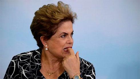 ВБразилии началось совещание сената порешению обимпичменте президенту Дилме Русеф