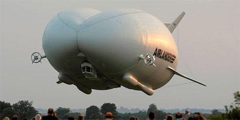 Самый длинный в мире летательный аппарат поднялся в воздух