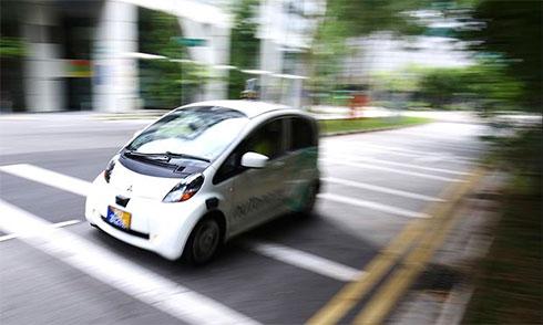 Электрокары-беспилотники приспособили для такси в Сингапуре