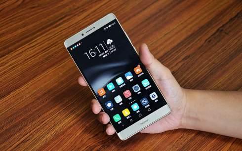 Представлен планшетофон Huawei Honor Note 8 с дисплеем Super AMOLED и SoC Kirin 955, оцененный в $346