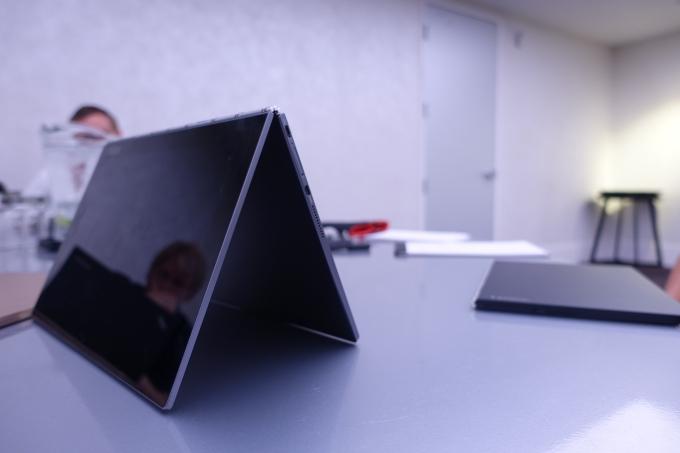 Lenovo Yoga Book— мощнейший гибридный планшет для приверженцев писать отруки