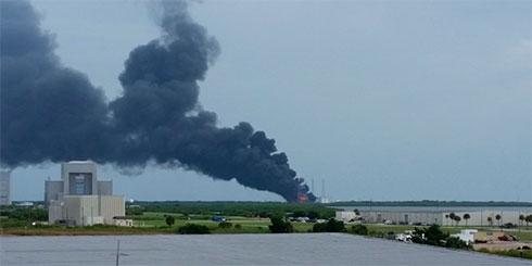При взрыве ракеты Falcon 9 был уничтожен спутник фейсбук