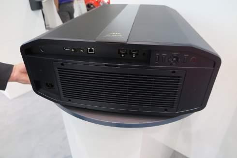 Лазерный проектор JVC получил полноценную 4K-матрицу