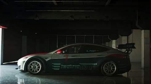 Представлен гоночный вариант электроседана Tesla Model S