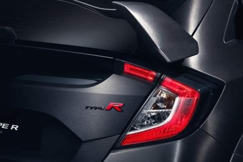 Honda привезла в Париж предсерийный Civic Type R