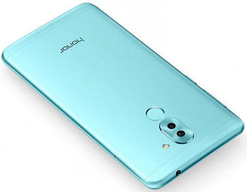 Huawei представила дешёвый смартфон сдвойной камерой