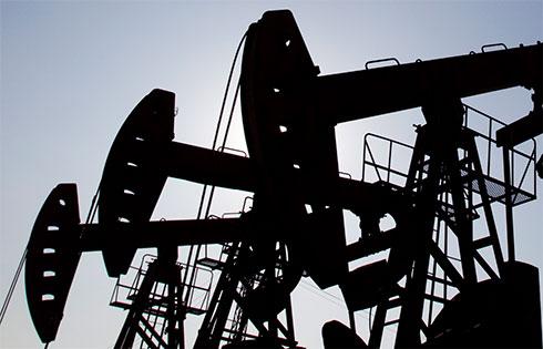 Цена нанефть Brent опустилась ниже $55 забаррель