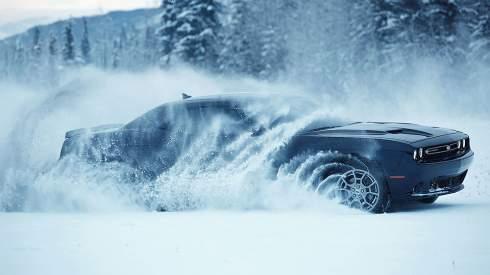 Dodge представил первый в мире полноприводный масл-кар