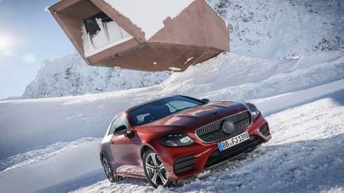 Двухдверный Mercedes-Benz E-Class получит мотор с электрическим наддувом