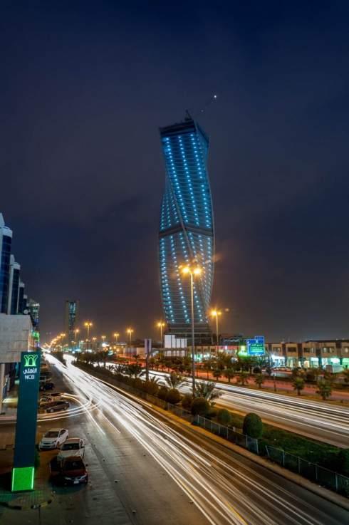 13 самых удивительных витых небоскребов в мире