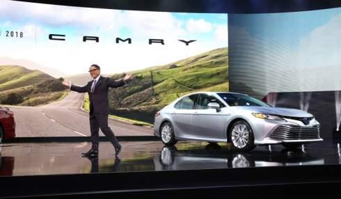 """Новую Toyota Camry сделали """"с чистого листа"""""""