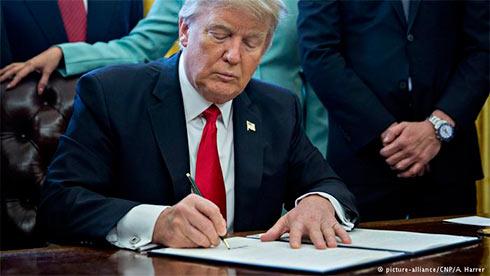 Трамп подписал указы по финансовому регулированию в США