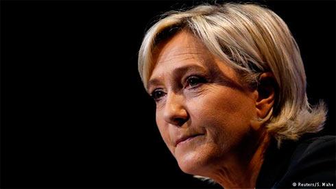 Комитет Европарламента проголосовал залишение ЛеПен депутатской неприкосновенности