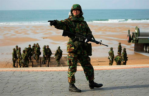 Авианосная группа ВМС США направлена кберегам Кореи— Пентагон подтверждает