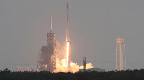 SpaceX запустит наорбиту неменее 4 тыс. спутников