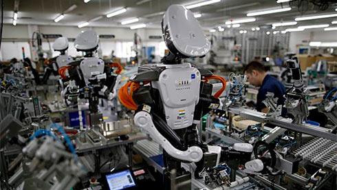 Нехватка рабочей силы побуждает даже небольшие японские компании закупать роботов