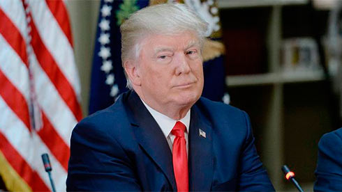 Трамп просил Коми опрекращении дела против Флинна