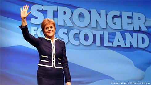 Лидер националистов Шотландии отменила подготовку референдума онезависимости