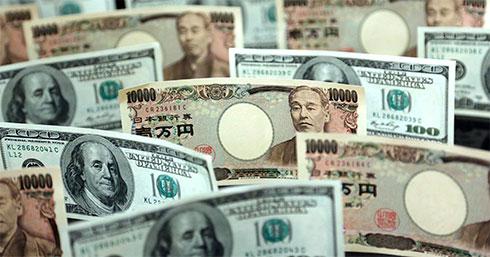 Начерном рынке курс доллара растет