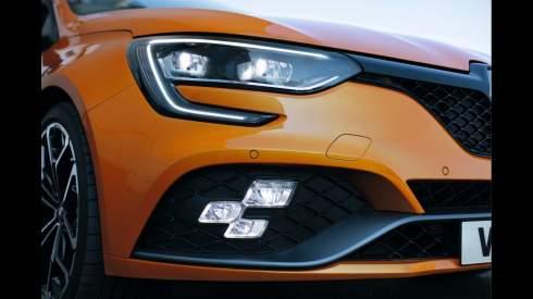 Новый Renault Megane RS получил полноуправляемое шасси и «робот»