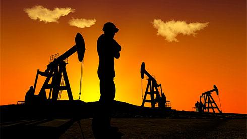 Нефть торгуется разнонаправленно наданных API икомментариях посделке ОПЕК+