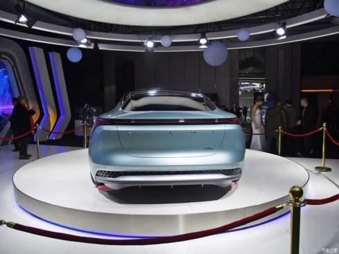 Неизвестная китайская фирма построила электрокар с запасом хода 700 километров