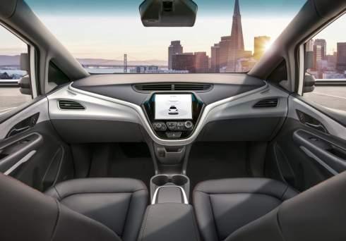 General Motors показалинтерьер беспилотника без руля и педалей