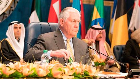 ВКаире госсекретарь Тиллерсон обсуждает борьбу стерроризмом