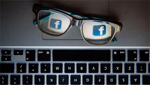 Компания социальная сеть Facebook подозревается вутечке данных 50 млн пользователей