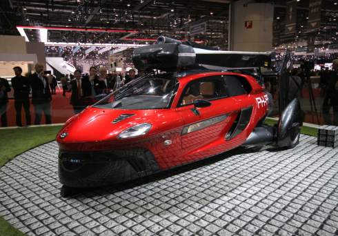 В Женеве раскрыли первый серийный летающий автомобиль