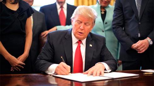 Трамп вводит новые пошлины против Китая на $200 млрд