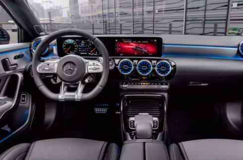В линейке Mercedes-AMG появился новый «горячий» седан