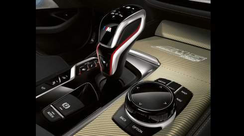 Юбилейный BMW M5: самый мощный двигатель и декор из золота