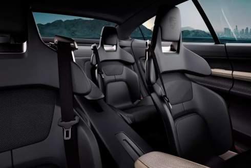 Porsche придумала кресло-кровать для водителя
