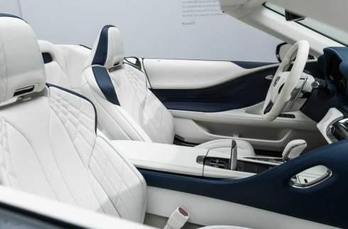 Первый открытый Lexus LC 500 стал самым дорогим автомобилем марки