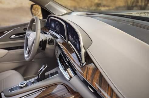 Новый Cadillac Escalade: дизель, пневмоподвеска и изогнутый 38-дюймовый дисплей