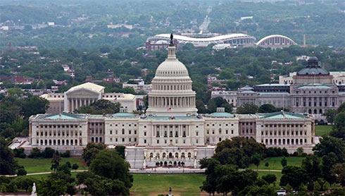 Конгресс США одобрил двухтриллионный пакет помощи экономике