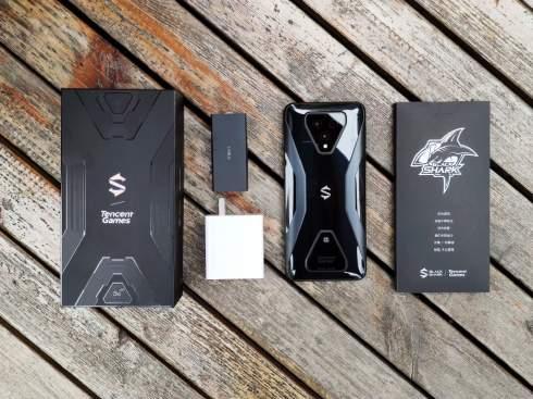 Игровое подразделение Xiaomi представило мощный смартфон Black Shark 3
