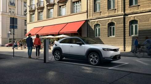 Первый электрокар Mazda оказался дешевле конкурентов