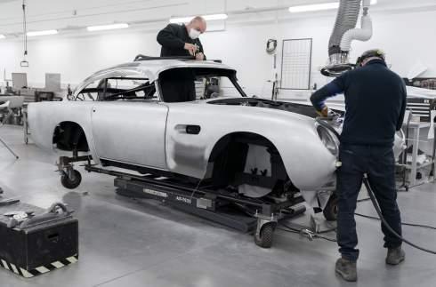Aston Martin снова начал выпускать самый известный автомобиль Джеймса Бонда