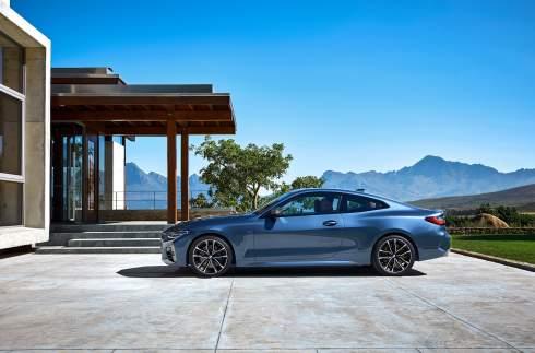 Представлена BMW 4 серии с огромными «ноздрями»