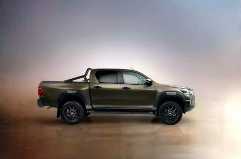 Toyota показала обновленный Hilux