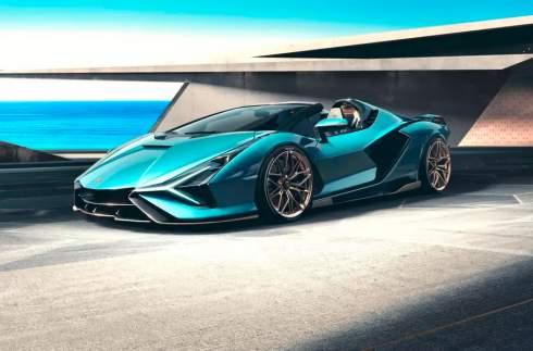Первый серийный гибрид Lamborghini лишился крыши