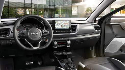 Kia Stonic обновился и получил «механику» с электронной педалью сцепления