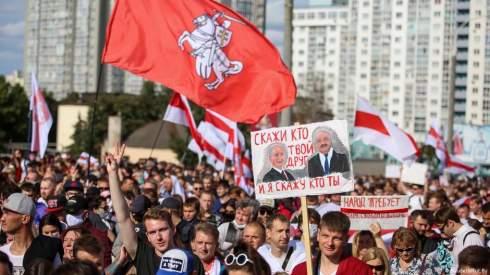 Протестные выходные в Минске: «Марш героев» к Лукашенко «домой»
