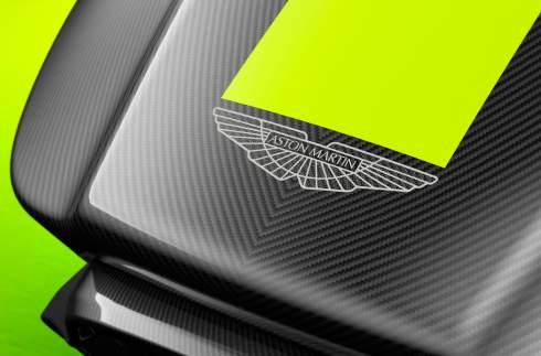 Aston Martin представил киберспортивный гоночный симулятор