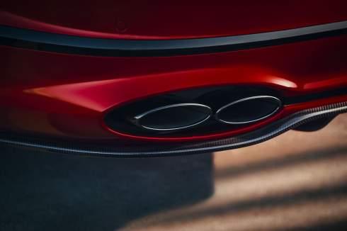Bentley представила «лёгкий» Flying Spur с мотором V8